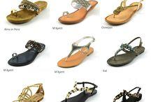 Sandalias planas / La moda del calzado a ras de suelo arrasa entre bloggers y celebrities. Las combinan tanto de día como de noche con shorts, jeans, vestidos largos…