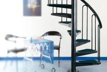SCALE FONTANOT / Le scale modulari Fontanot sono progettate per risolvere con eleganza e semplicità qualsiasi esigenza progettuale. Fontanot offre scale da interno, da esterno, su misura, salvaspazio e in kit, oltre ad una gamma di ringhiere in acciaio inox.