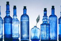 Color azul índigo, añil. / Imágenes relacionadas con el color azul índigo, añil. Diseño, textura, patrones.