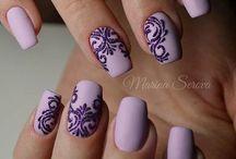 νύχια μοβ
