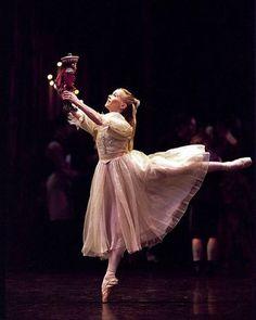#BallerinaOnTutu #Nutcracker #pointeshoes
