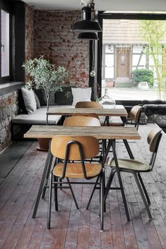 Ideas Vintage Cafe Design Decor Coffee Shop For 2019 Vintage Cafe Design, Cafe Tables, Cafe Chairs, Dining Chairs, Ikea Chairs, Kitchen Chairs, Room Chairs, Cafe Interior Design, Interior Decorating