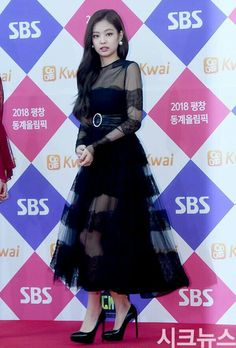 #BLACKPINK at SBS Gayo Daejeon Red Carpet #JENNIE