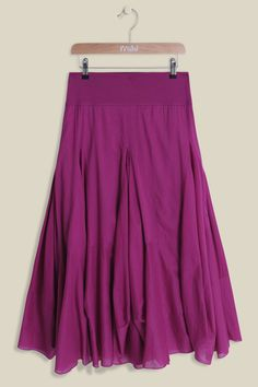 Our Yo Garden Airy Fairy Dobby Skirt is made from lightweight cotton, hanging elegantly below the knees. Sitting comfortably on the waist with a flattering jersey waistband, the full and floaty skirt features soft pleat detailing with bobby inserts.