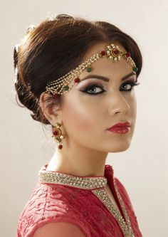Asian Wedding Inspiration from Asian Bride Magazine Bridal Makeup, Wedding Makeup, Bridal Hair, Asian Inspired Wedding, Indian Makeup, Cat Makeup, Asian Bride, Indian Wedding Outfits, Asian Beauty
