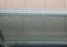 My unexpected DIY window cleaner - it worked great! Window Cleaning Tips, Diy Home Cleaning, Fall Cleaning, Household Cleaning Tips, Cleaning Recipes, House Cleaning Tips, Diy Cleaning Products, Cleaning Solutions, Cleaning Hacks