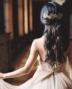 Un tocado en oro viejo perfecto para novias de otoño @innovias