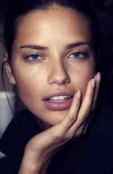 Adriana Lima // less makeup, no makeup
