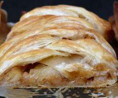 11 przepisów na ciasto francuskie z jabłkami - PrzyslijPrzepis.pl Apple Pie, Bread, Desserts, Food, Tailgate Desserts, Deserts, Brot, Essen, Postres