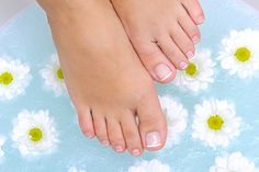 Pedicures, Beautiful Bride, How To Lose Weight Fast, Aromatherapy, Health And Beauty, Legs, Female, Blond, Wedding Dress