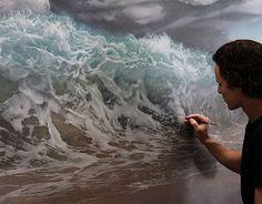 オーストラリアのアーティストJoel Reaさんの絵画作品は海をモチーフに描いた作品が多く、その中に人物や動物なども描きこまれています。 夢の中のような非現実感がありシュールな風景ですね。今にも波しぶきが飛んできそうなほど波のリアルな存在感が感じられます。多く登場する虎は何かのメタファーなのでしょうか。シンボリックで、神聖な存在にも感じられます。