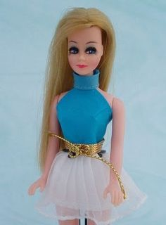 Dawn doll in aqua top and gold belt!