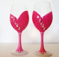 Pretty in pink – set of 2 wine glasses – hand painted – 20 oz large wine glasses – ready to ship