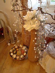 Vánoční chalupa | Galerie Table Decorations, Furniture, Home Decor, Homemade Home Decor, Home Furnishings, Interior Design, Home Interiors, Decoration Home, Home Decoration
