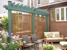 Pergola privacy fence - Easy and Cheap Backyard Privacy Fence Ideas Diy Privacy Fence, Privacy Fence Designs, Privacy Trellis, Diy Fence, Fence Gate, Back Yard Privacy Ideas, Privacy Wall Outdoor, Decks With Privacy Walls, Pallet Fence