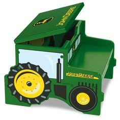 Tractor step/storage