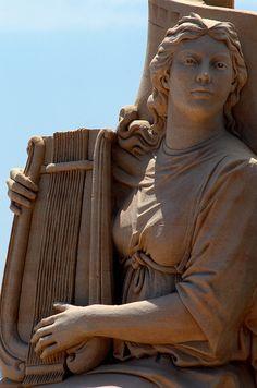 Barcelone Port Vell plage de San Sebastia sculpture sable joueuse lyre | Flickr - Photo Sharing!
