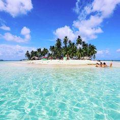 Imagínate pasar un día completo en una bella Isla de San Blas. #WanderPanther tiene el tour perfecto para ti en http://ift.tt/28QJ9xr #Panama #Aventura
