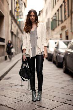 Caroline of carolinesmode.com #streetstyle #fashion
