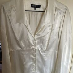 Jones New York signature blouse Cute Jones NY blouse. 7 button front with 7 button sleeve.soft egg shell white color Jones New York Tops Blouses Egg Shell, Fashion Tips, Fashion Design, Fashion Trends, Size 12, Blouses, York, Button, Blouse