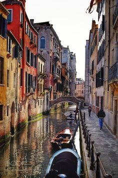 """Early morning Venice Go to http://iBoatCity.com and use code PINTEREST for free shipping on your first order! (Lower 48 USA Only). Sign up for our email newsletter to get your free guide: """"Boat Buyer's Guide for Beginners."""""""
