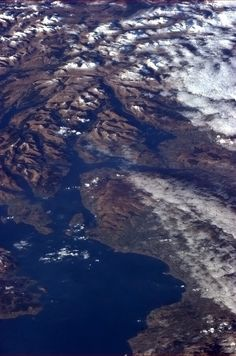 Chris Hadfield - The ruggedness of Scotland evident in the snowy hills and lochs north of the Firth of Clyde. Chris Hadfield, The Blue Planet, West Coast Scotland, Kingdom Of Great Britain, Space Photos, Earth From Space, Space Travel, Planet Earth, Aerial View