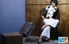 Zhang Xinyi poses for fashion magazine   China Entertainment News