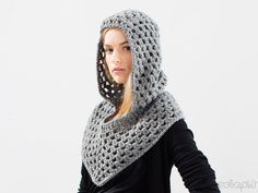 It may still not be too late to crochet a really nice Beanie (with Waffle Stitch pattern) for the beginning of the year! In most places, you will still need to keep warm and winter is still not over! Crochet Scarves, Crochet Shawl, Crochet Clothes, Knit Crochet, Crochet Hood, Bonnet Crochet, Crochet Crafts, Crochet Projects, Mode Geek