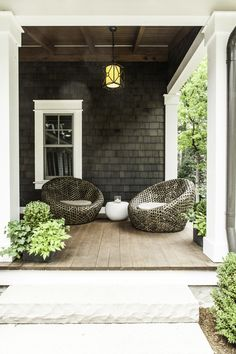 Relaxing front porch sitting area - Karen Kempf Interiors    Copyright 2012 Milwaukee Magazine/Adam Ryan Morris