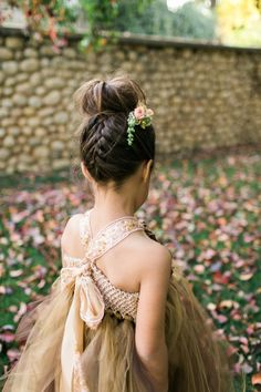 The Beautiful Flower Girl Hairstyles Many women like flower. Now, you will not have the flower in the bouquet only, but also the beautiful flower girl hairstyles. Hairstyles For Gowns, Flower Girl Hairstyles, Little Girl Hairstyles, Trendy Hairstyles, Short Haircuts, Kids Hairstyles For Wedding, Childrens Hairstyles, Toddler Hairstyles, Hairstyles 2016