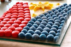 It is an ensemble of popular Filipino desserts like sweet puto, pastillas and maja blanca inspired by the Philippine flag.