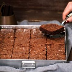 Brownie de chocolate negro Choco Chocolate, Chocolate Brownies, Chocolate Cookies, Chocolate Desserts, No Bake Desserts, Just Desserts, Delicious Desserts, Yummy Food, Brownie Recipes