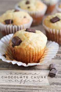 Banana chocolate chunk muffins - so soft and moist and delicious! www.thebakerupstairs.com