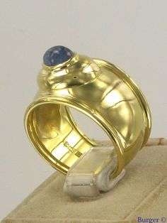 Chopard Sapphire ring 18k Yellow Gold