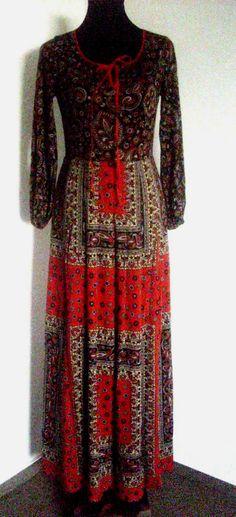 Krásné hippies šaty  www.secondhand1.cz
