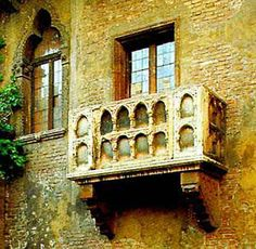 Balcone di Giulietta (Verona, Italy). Stood below this balcony !