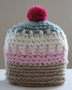 Mini Muffin Hat: free pattern