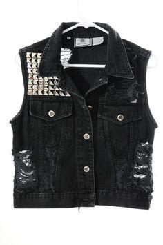 Oh my gosh. Oh my gosh. I think I'm hyperventilating! Someone please, get me that vest before I die!