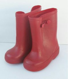 ♡ Remember these rubber boots~such a hard time pulling them over your shoe's ♡