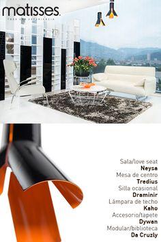 Experiencia Matisses: Un living sencillo, con toques de color en las lámparas de techo para más detalle visual.