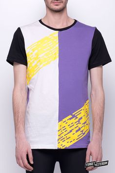 T-shirt Laders - White, Violet, Yellow and Black  - Printed tee - GET IT! http://forgetyesterday.com.ar/store/es/home/4-t-shirt-laders.html T-shirt de jersey de algodón 30/1 en 3 colores (negro, blanco y violeta) con estampa hecha en serigrafía.  LADERS: Michael Blee, un emprendedor diseñador, construyó este laberinto haciendo honor al mítico juego de las serpientes y las escaleras. Cubre 6 hectáreas y los setos miden más de 2 metros y medio de alto.