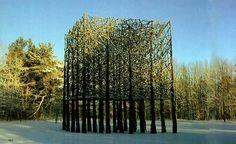 Jaakko Pernu  http://www.cassetteblog.com/2012/07/esculturas-increibles-con-objetos-y-materiales-cotidianos/