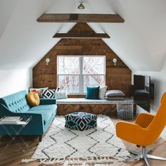 Amazing and Unique Tricks Can Change Your Life: Large Attic Remodel attic loft lighting.Attic Loft Awesome old attic ideas.Old Attic Photography. Attic Apartment, Attic Rooms, Attic Spaces, Attic Bathroom, Attic Playroom, Attic House, Attic Loft, Attic Ladder, Attic Media Room