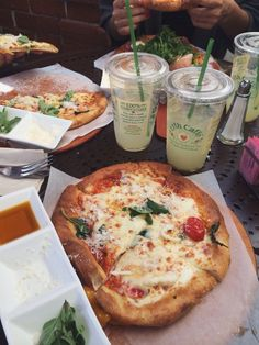 urth cafe in beverly hills california. pizza, clean eating. so yummyyyy