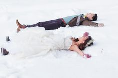 To play in the snow: | 38 Couples Who Absolutely Nailed Their Winter Weddings
