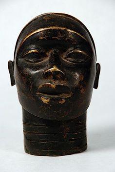 p-lanet-e-arth: African Benin Bronze Head - B #152029 Bronze altar portrait, ancestor with realistic portrayal, Benin culture, Nigeria. High copper content…