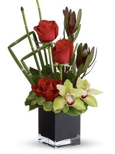 Modern Masterpiece Bouquet 2019 Modern Masterpiece Bouquet: Tropical Flowers A gorgeous bouquet with a contemporary flair. The post Modern Masterpiece Bouquet 2019 appeared first on Flowers Decor. Valentine Flower Arrangements, White Flower Arrangements, Flower Centerpieces, Centerpiece Wedding, Wedding Decor, Tropical Flowers, Exotic Flowers, Beautiful Flowers, Small Flowers