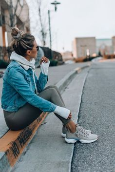 Cool 46 Cute Sporty Outfits Ideas Try This Fall # Outfits deportivos 46 Cute Sporty Outfits Ideas Try This Fall Cute Sporty Outfits, Sport Outfits, Casual Outfits, Casual Athletic Outfits, Fashionable Outfits, Sporty Chic, Sporty Style, Classy Outfits, Casual Goth