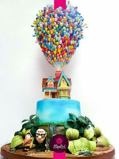 AMAZING CAKE! Im impressed. Up, up, and away!! UP Cake