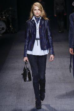 #Trussardi   #fashion   #Koshchenets      Trussardi Fall 2016 Ready-to-Wear Collection Photos - Vogue